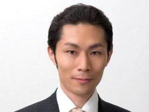 高岡壮一郎さんの経歴、プロフィール